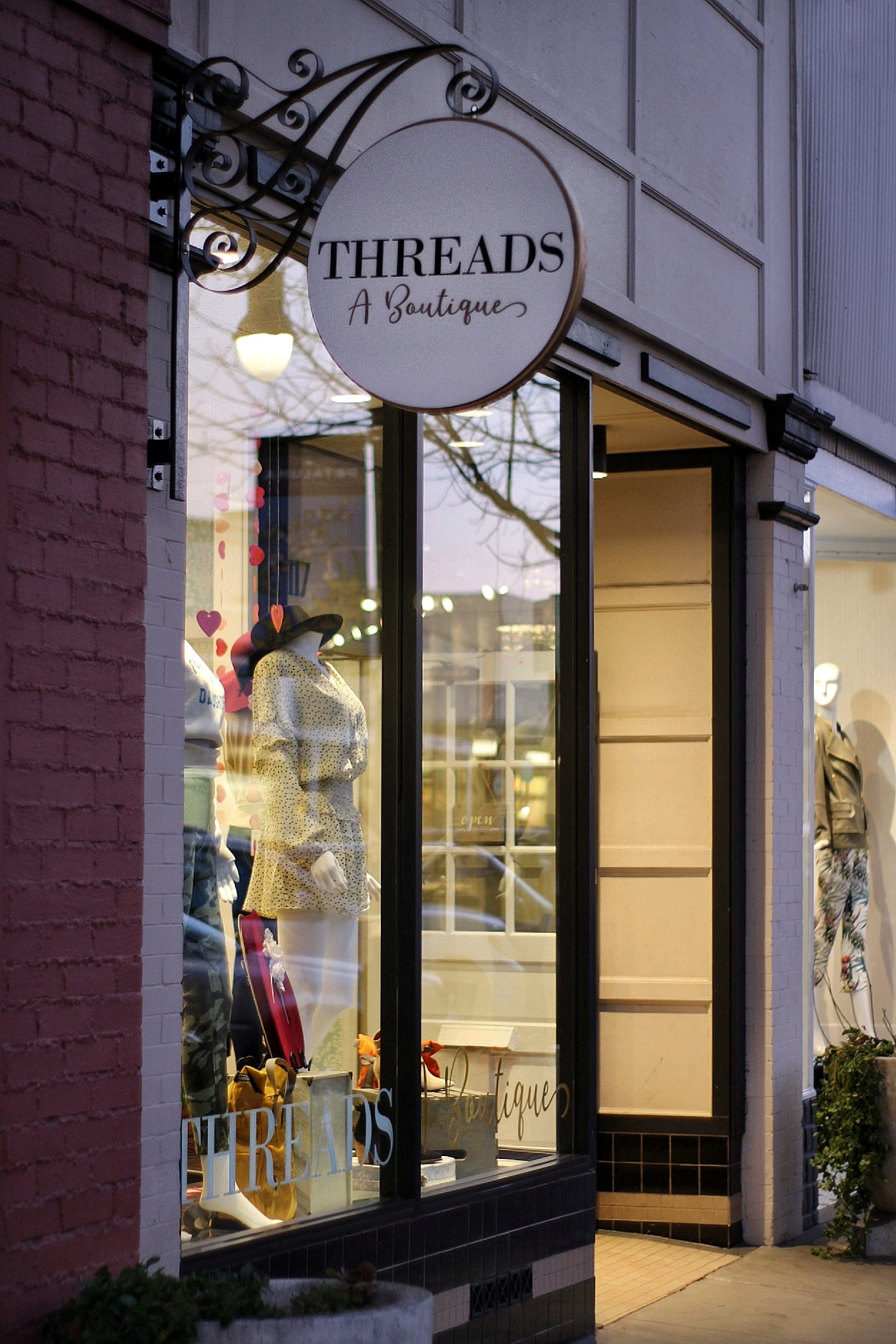 Threads A Boutique Storefront